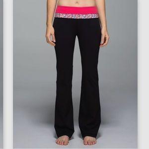 Lululemon Groove Pant Black Prism Petal size 6